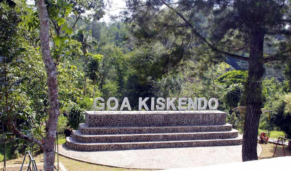 Objek Wisata Goa Kiskendo