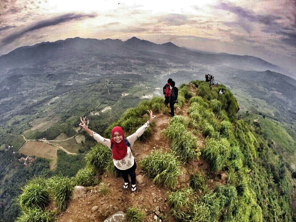 Hiking Gunung Batu Jonggol