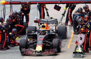 Red Bull mengganti Renault dengan Honda dalam upaya meningkatkan kinerja